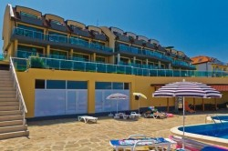 Black Sea Paradise ***