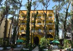 Mali i Robit 3*, hotel-camping