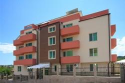 Siena House ***