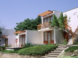 Villas West ***